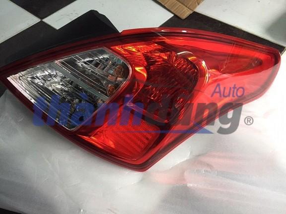 Đèn hậu Nissan Sunny